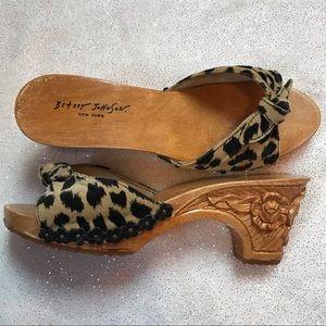 Betsey Johnson animal print/wooden heels. Sz 8